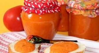 Икра из патиссонов с луком и томатной пастой