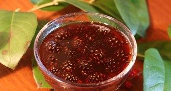 Простой рецепт ароматного варенья из сосновых шишек рецепт фото