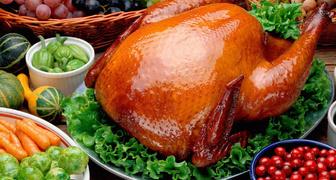 Главное блюдо на День Благодарения: индейка с черносливом рецепт фото