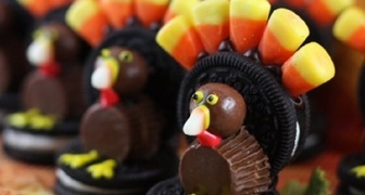 Сладкое и вкусное печенье-индейка на день Благодарения