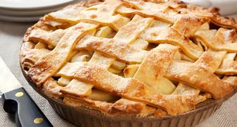 Московский пирог с яблочным вареньем