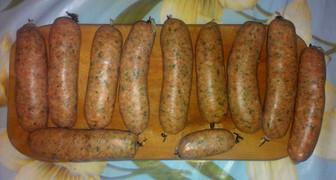 Дачные колбаски для гриля с зеленью и вином