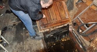 Восстанавливаем обвалившиеся стенки погреба после весенних паводков