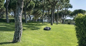 Новый модельный ряд газонокосилок-роботов Husqvarna Automower