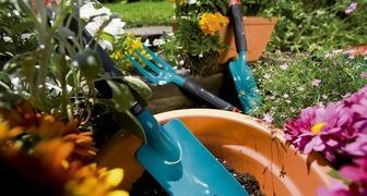 Уход за садом: комбисистема GARDENA