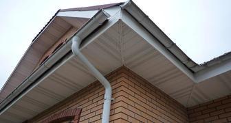 Монтаж водостоков для крыши своими руками