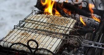Запеченый на гриле лаваш с сыром и помидорами рецепт фото