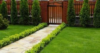 Уборка садовых дорожек: советы от GARDENA