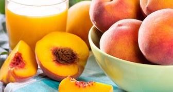 Персики - польза и вред для здоровья, применение при диетах и в косметике фото