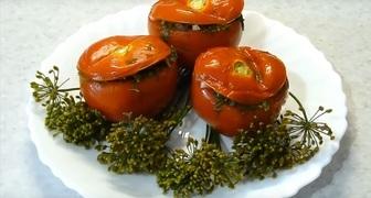 Шкатулочки из помидор - острые малосольные томаты по-армянски