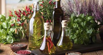 Готовим ароматный уксус на травах в домашних условиях